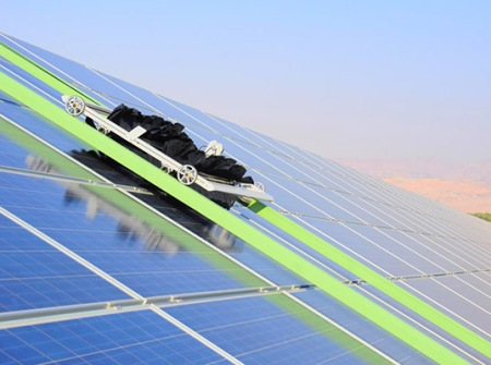 Ecoppia-Israel-Self-Cleaning-Solar-Park-2